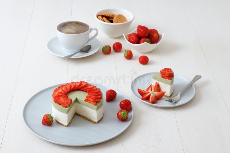 Gâteau au fromage de fruit  Cuisson de la démo photographie stock
