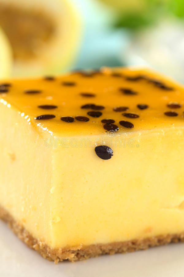 Gâteau au fromage de passiflore comestible de passiflore images libres de droits