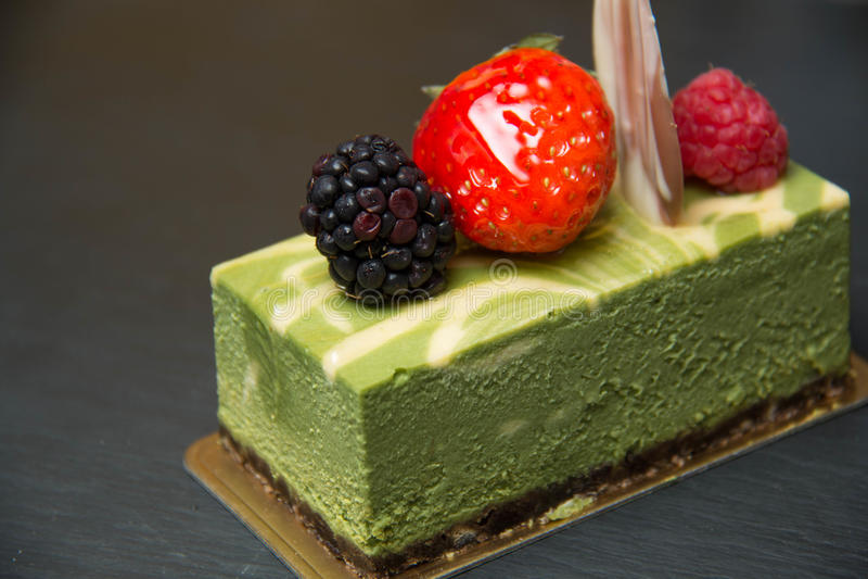 Gâteau au fromage de thé vert photos stock