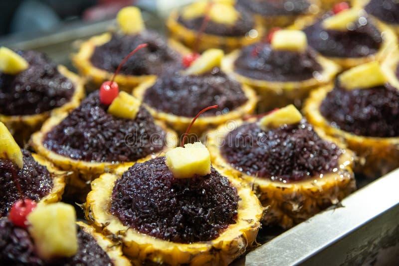 Gâteau chinois frais traditionnel délicieux de fruit photo libre de droits