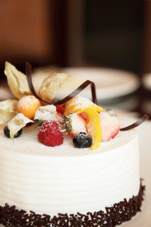 Gâteau crème blanc photographie stock libre de droits
