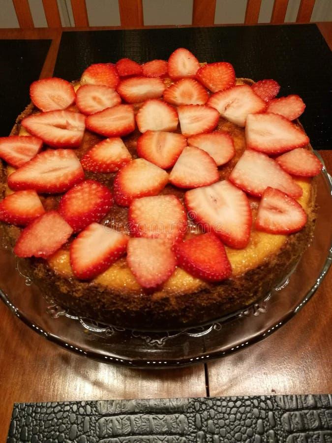 Gâteau d'été images libres de droits