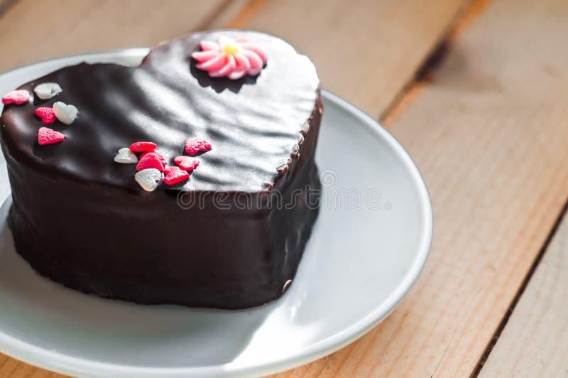 Gâteau d'amour du plat image stock