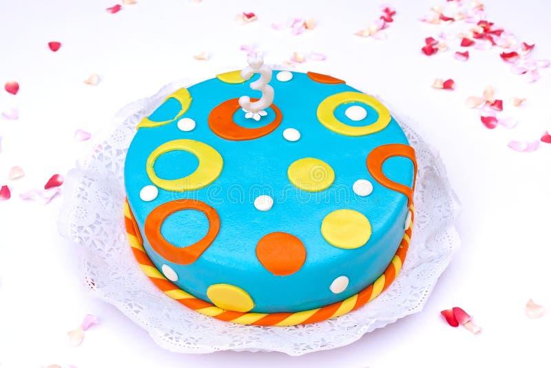 Gâteau d'anniversaire images libres de droits