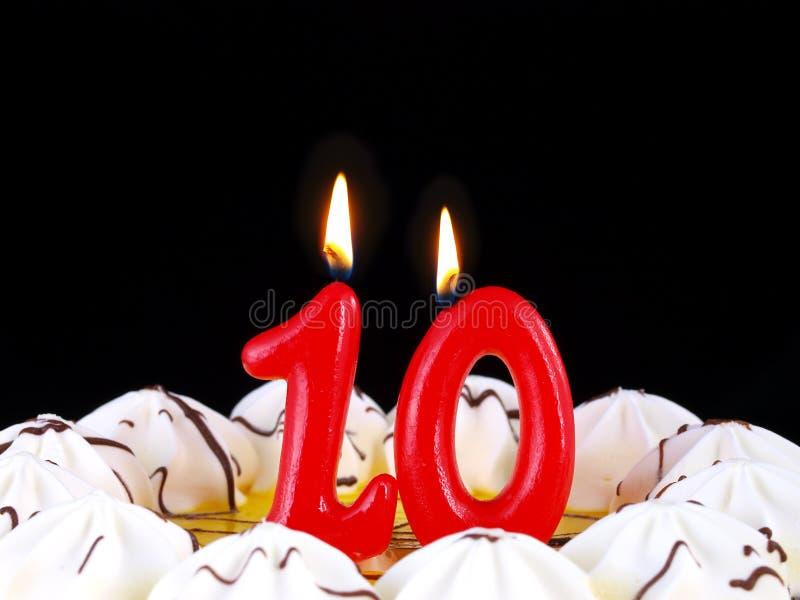 Gâteau d'anniversaire affichant Nr. 10 photographie stock