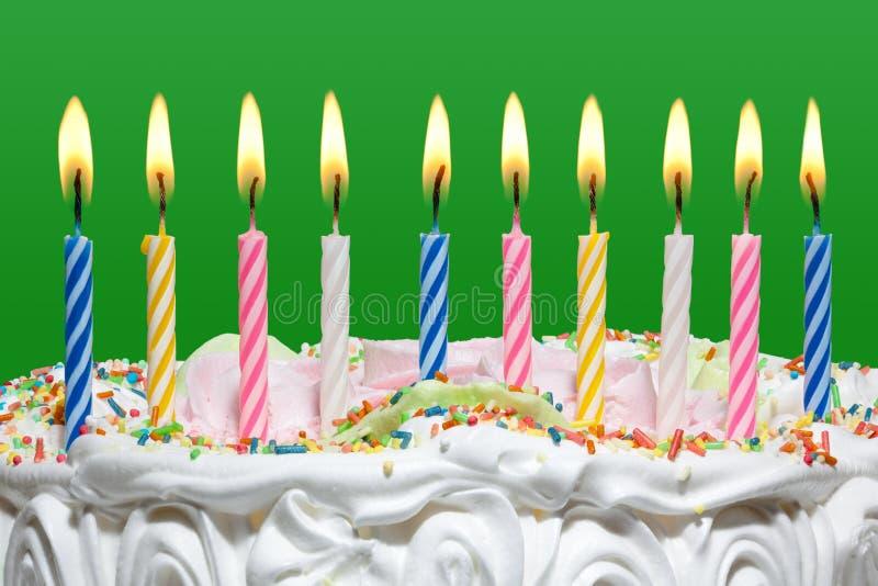 Gâteau d'anniversaire avec des bougies. photographie stock