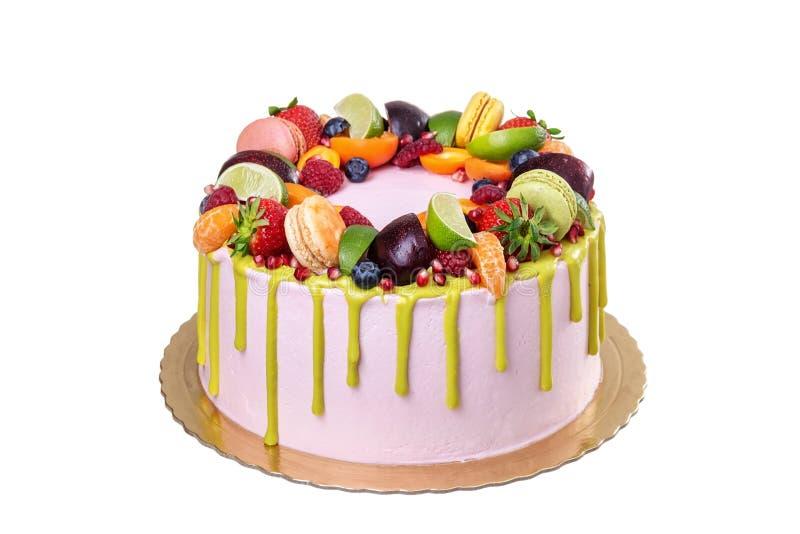 Gâteau d'anniversaire ou vacances délicieux Sur un fond blanc photos stock