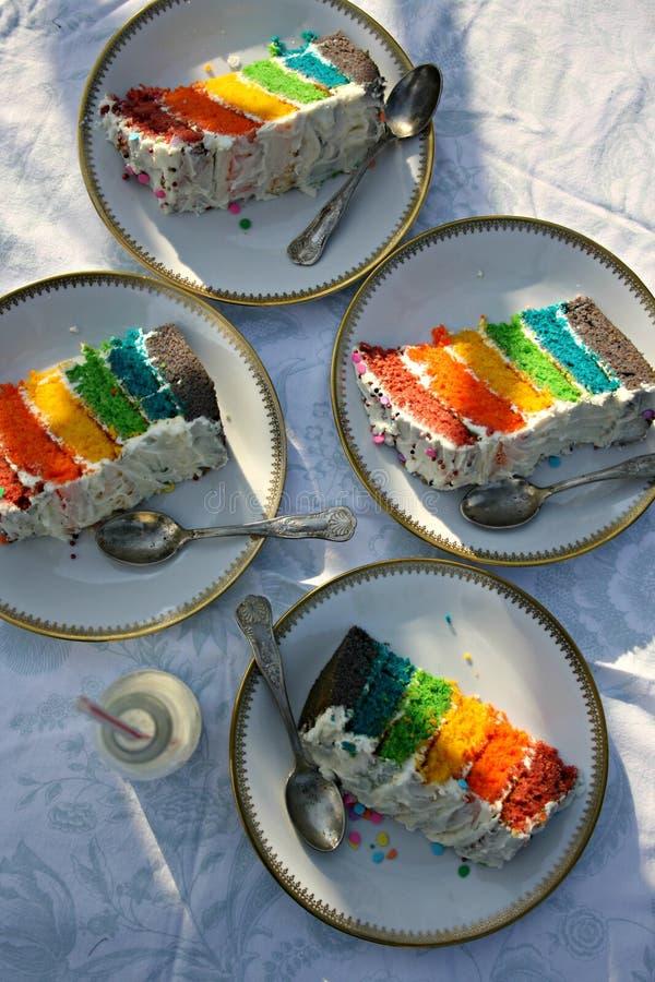 Gâteau d'arc-en-ciel photographie stock libre de droits