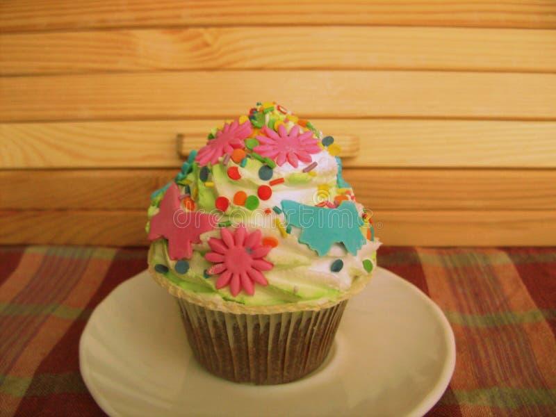 Gâteau dans un plat photos libres de droits