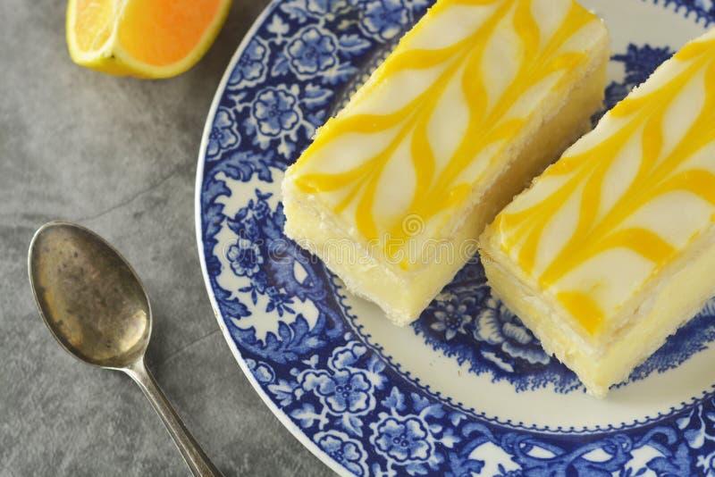 Gâteau de bruine de citron, dessert de gâteau de croûte de citron images libres de droits