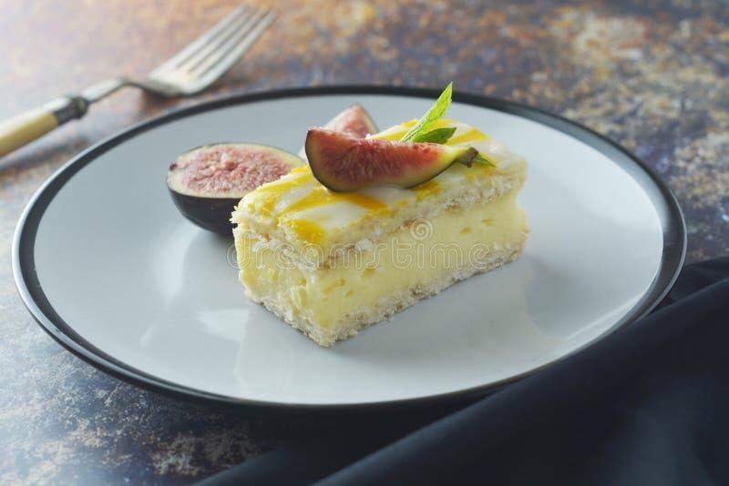Gâteau de bruine de citron, dessert de gâteau de croûte de citron photo stock