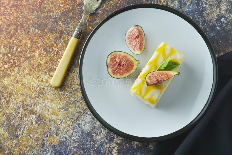 Gâteau de bruine de citron, dessert de gâteau de croûte de citron photographie stock libre de droits