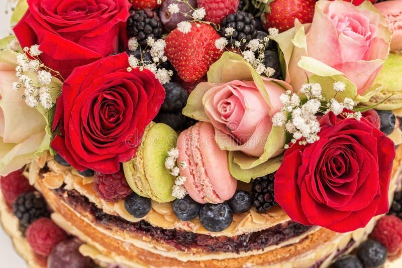 Gâteau de célébration de fruit nu photo stock