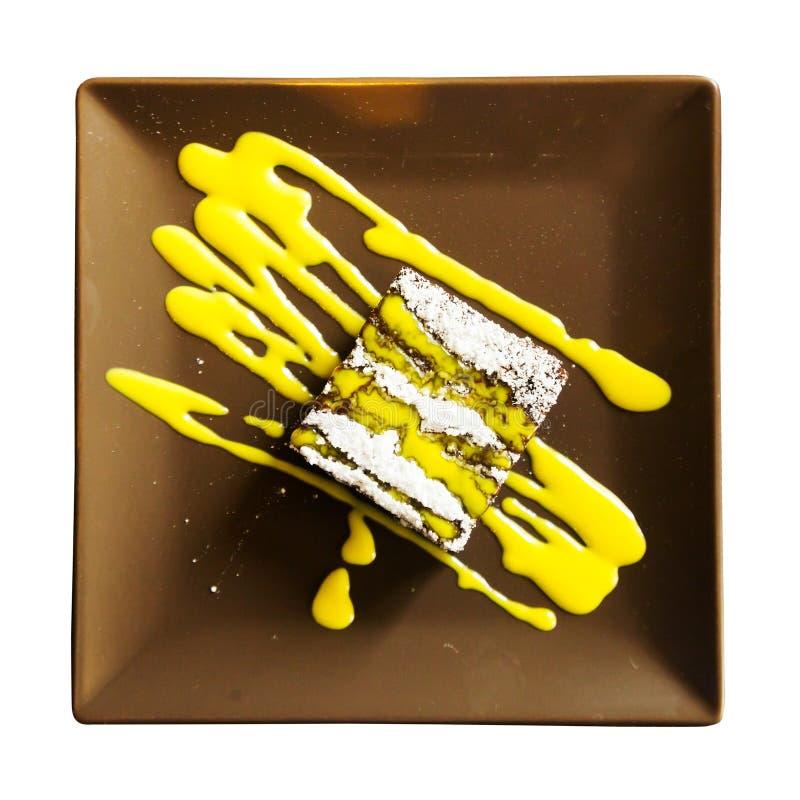 Gâteau de chocolat d'isolement image stock