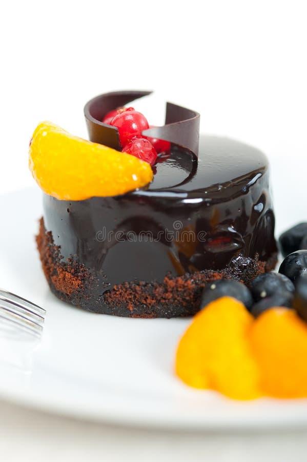 Gâteau de chocolat et de fruit image stock