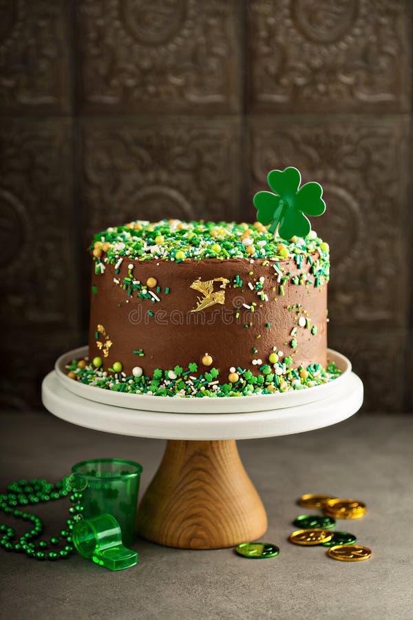 Gâteau de chocolat de jour de St Patricks photographie stock libre de droits