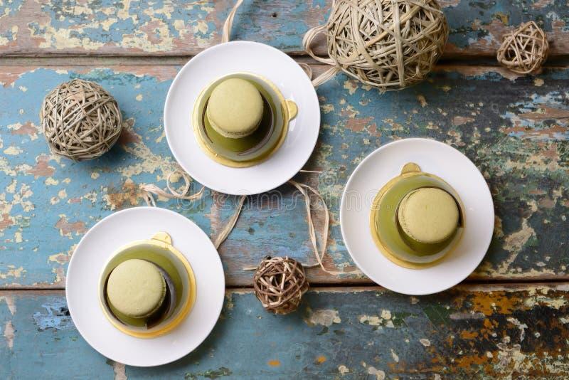 Gâteau de dessert de dôme de Matcha image stock