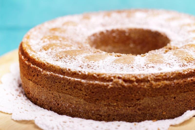 Gâteau de forme annulaire photo stock