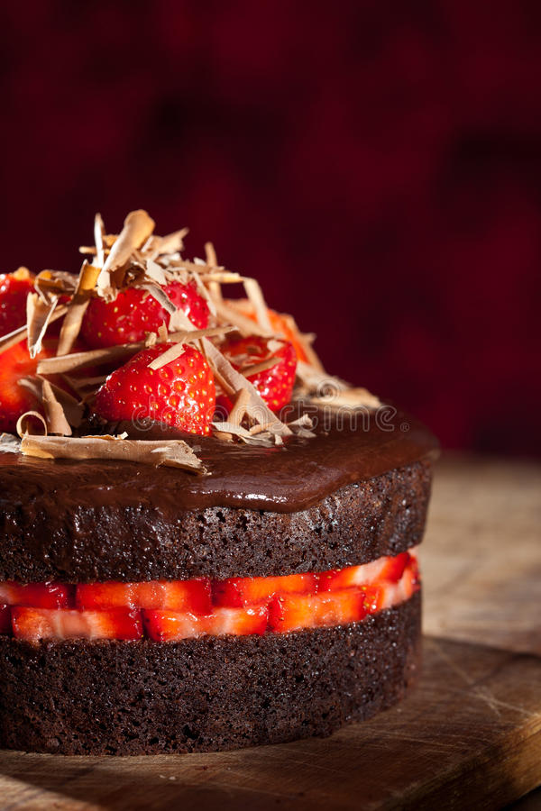 Gâteau de fraise de chocolat photos stock