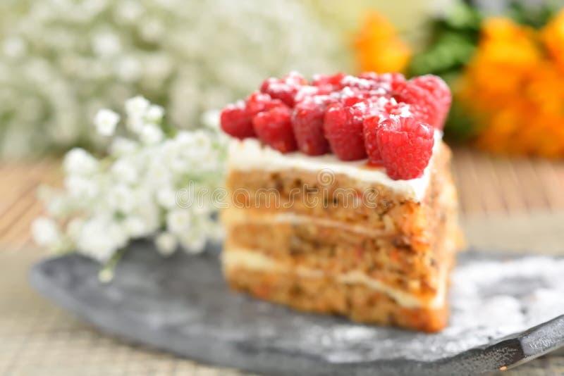 Download Gâteau de framboise photo stock. Image du vivacité, closeup - 56476352