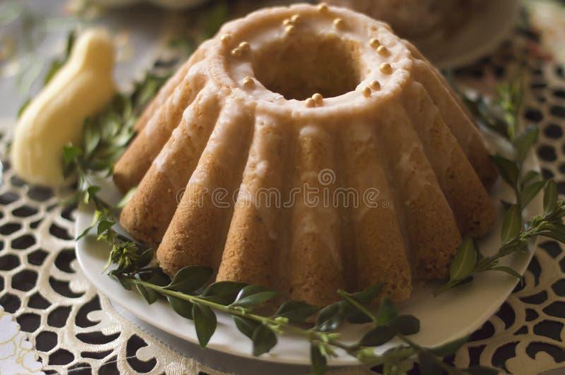 Gâteau de livre, gâteau traditionnel de Pâques images libres de droits