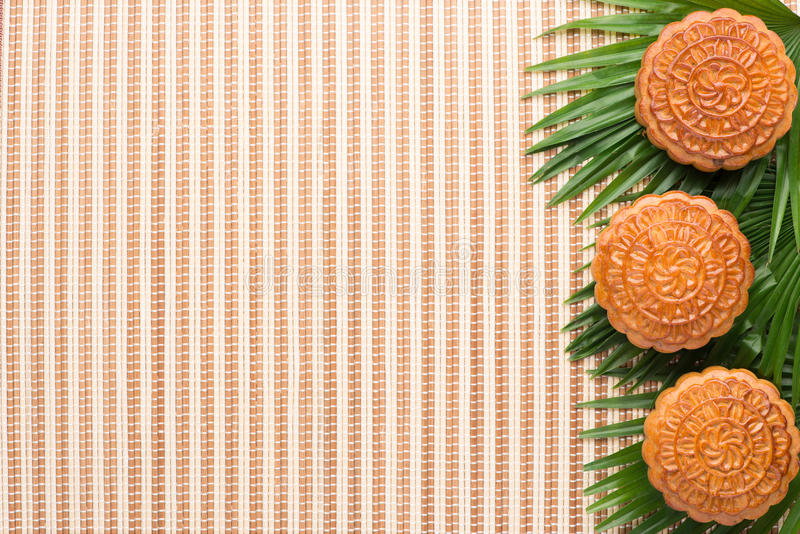 Gâteau de lune pour le Mi-automne fastival photos stock