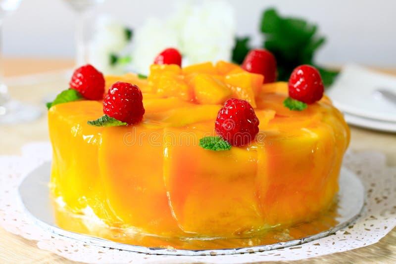 Gâteau de mangue image libre de droits