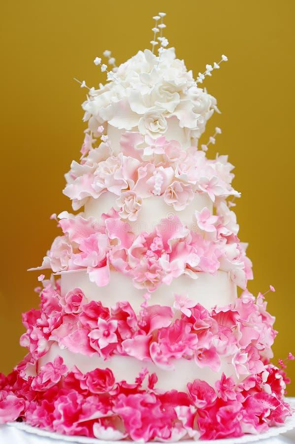 Gâteau de mariage délicieux photographie stock
