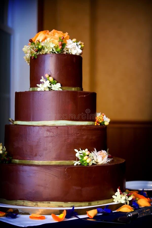 Gâteau de mariage de chocolat photo stock