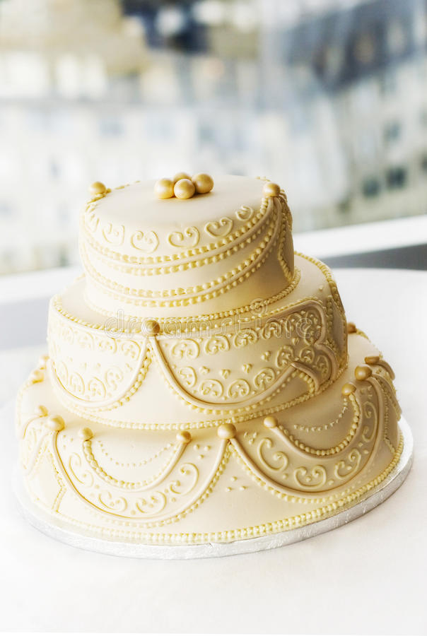 Gâteau de mariage de créateur image libre de droits