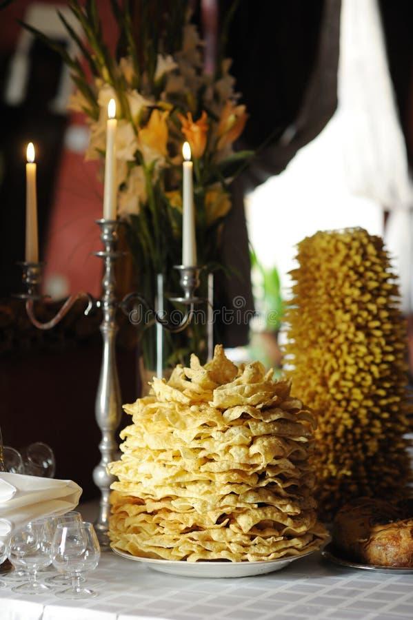 Gâteau de mariage lithuanien de Tradicional images libres de droits