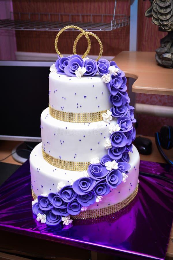 Gâteau de mariage, thème de mariage, symbolique des histoires d'amour photographie stock