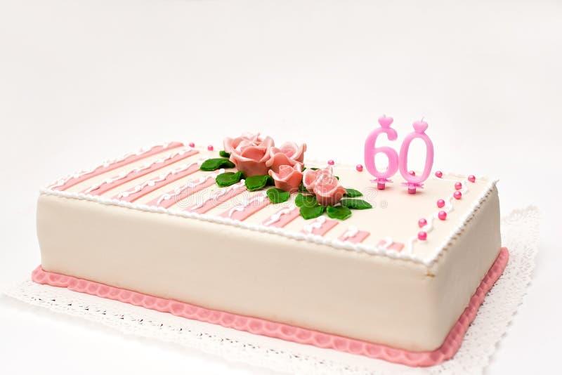 Gâteau de massepain d'anniversaire images stock