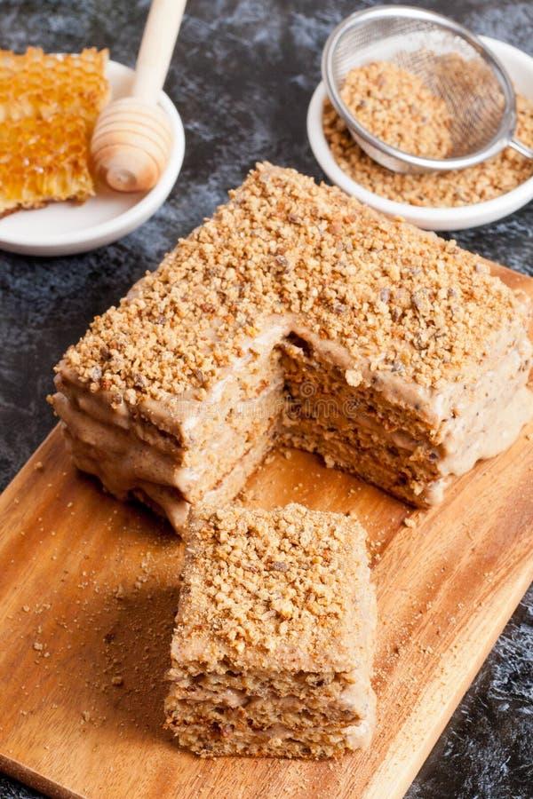 Gâteau de miel délicieux photographie stock