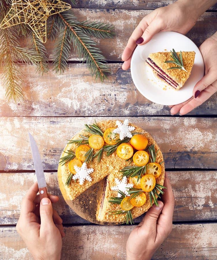 Gâteau de miel sur la fête de Noël photographie stock libre de droits