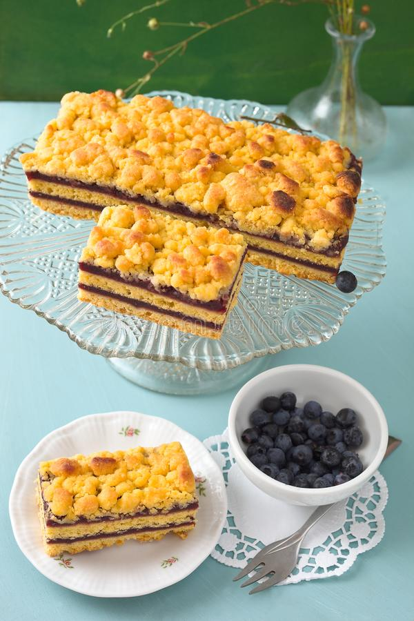Gâteau de miette de myrtille photos stock
