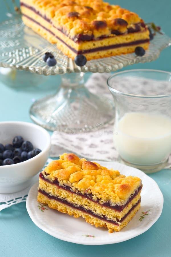 Gâteau de miette de myrtille photographie stock libre de droits