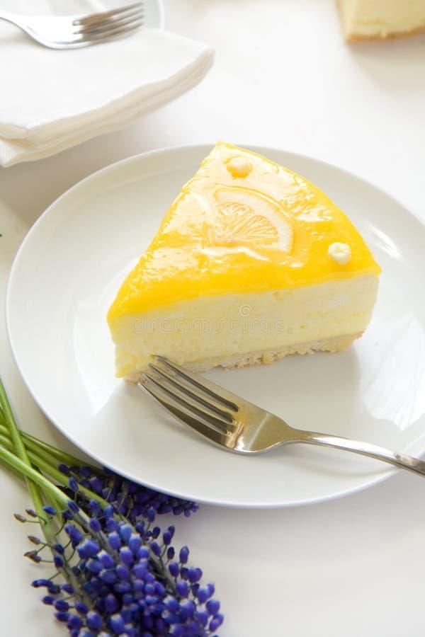 Gâteau de mousse de citron photo libre de droits