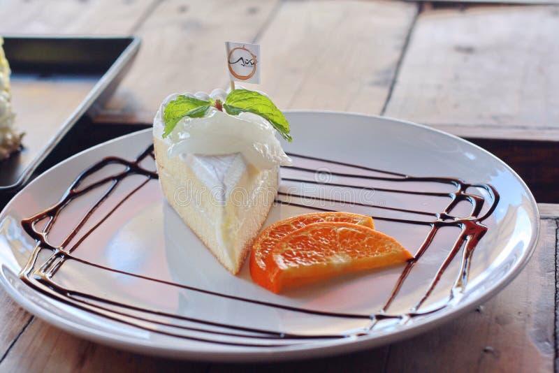 Gâteau de noix de coco images stock