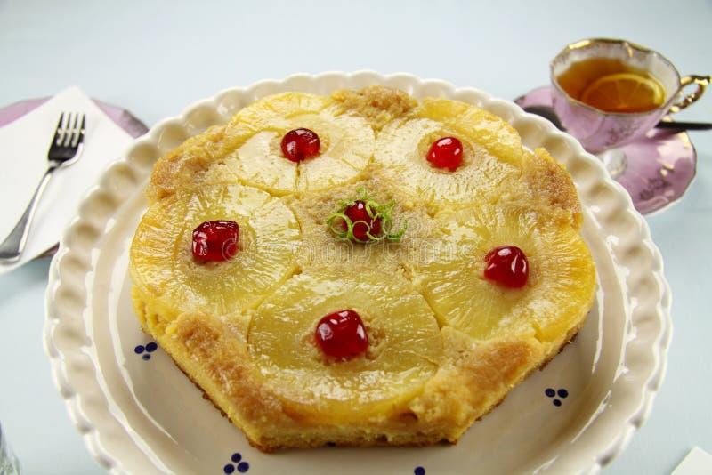 Gâteau de partie supérieure d'ananas image libre de droits