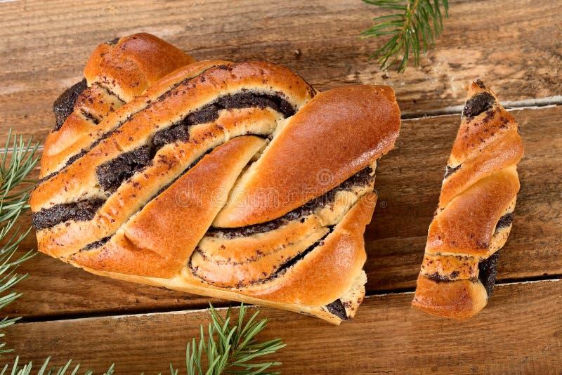 Gâteau de petit pain de clou de girofle photo stock