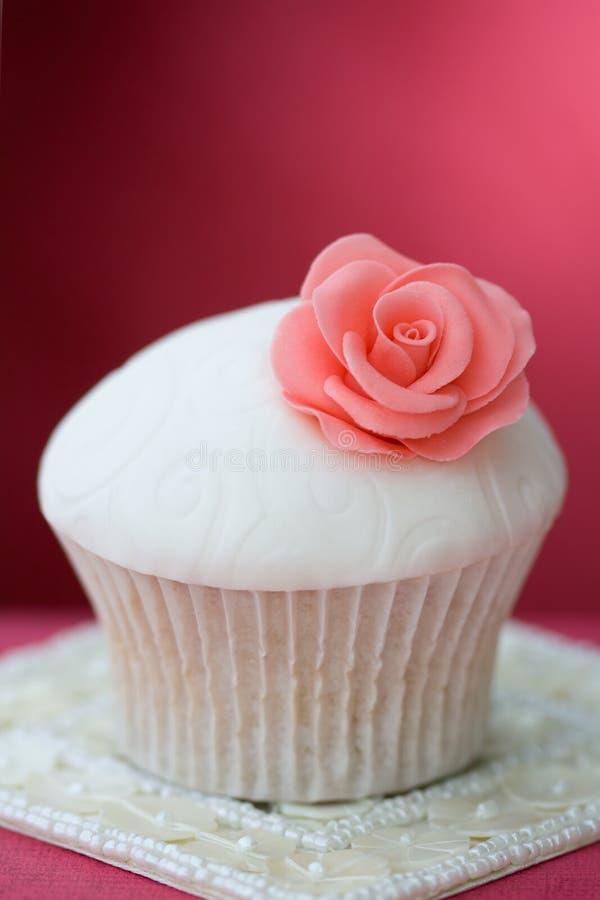 Gâteau de Rose photographie stock