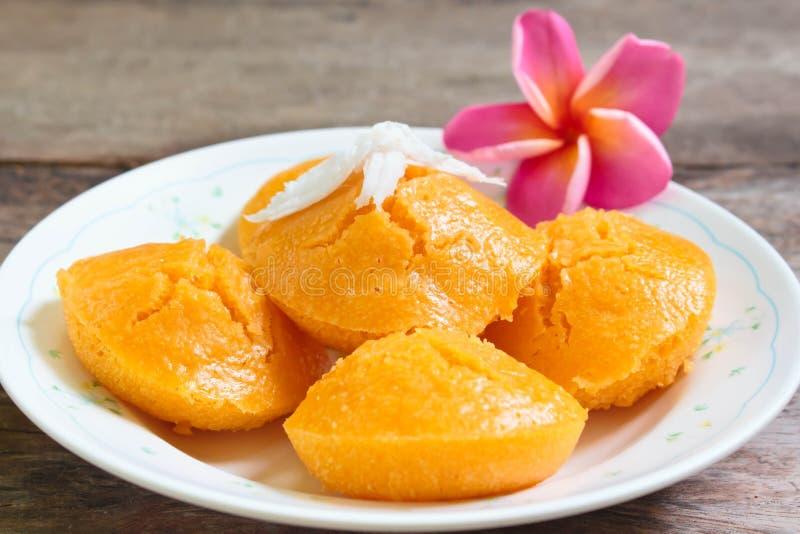 Gâteau de Sugarpalm avec la noix de coco images stock
