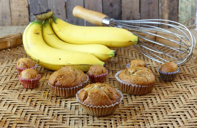 Gâteau de tasse de banane photographie stock