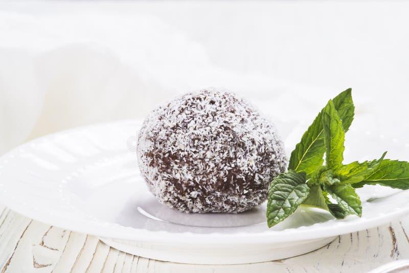 Gâteau doux de chocolat photographie stock libre de droits