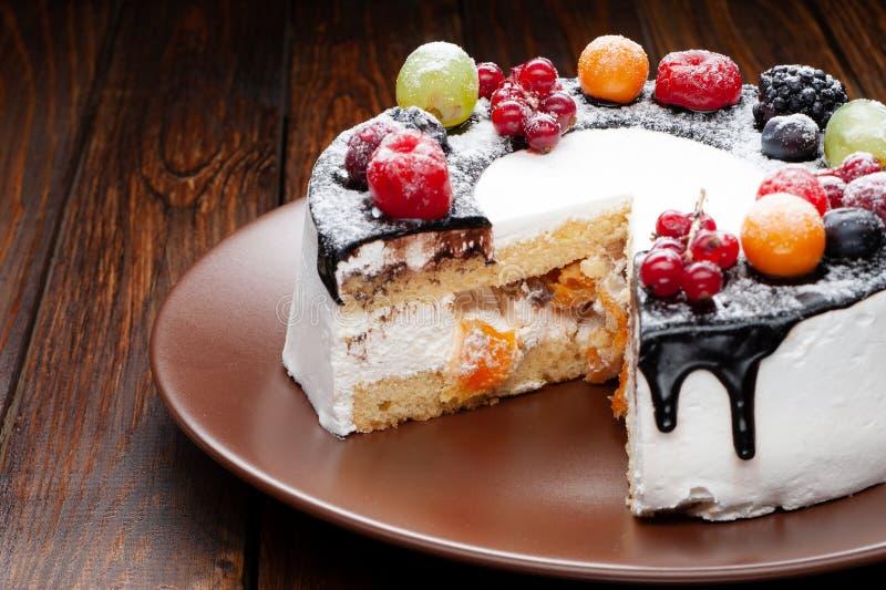 Gâteau doux de fruit images libres de droits