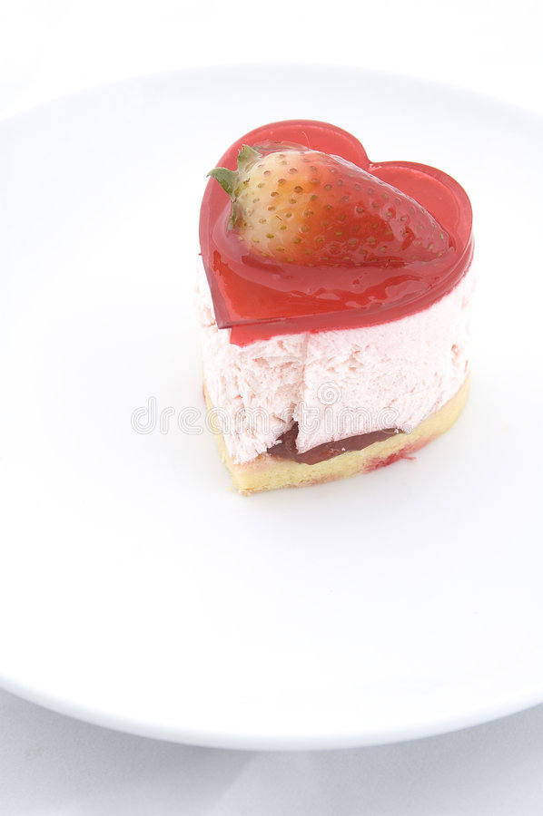 Gâteau en forme de coeur photos libres de droits