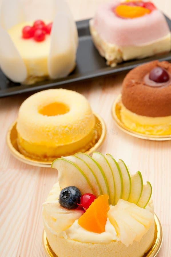 Gâteau frais de baie images libres de droits
