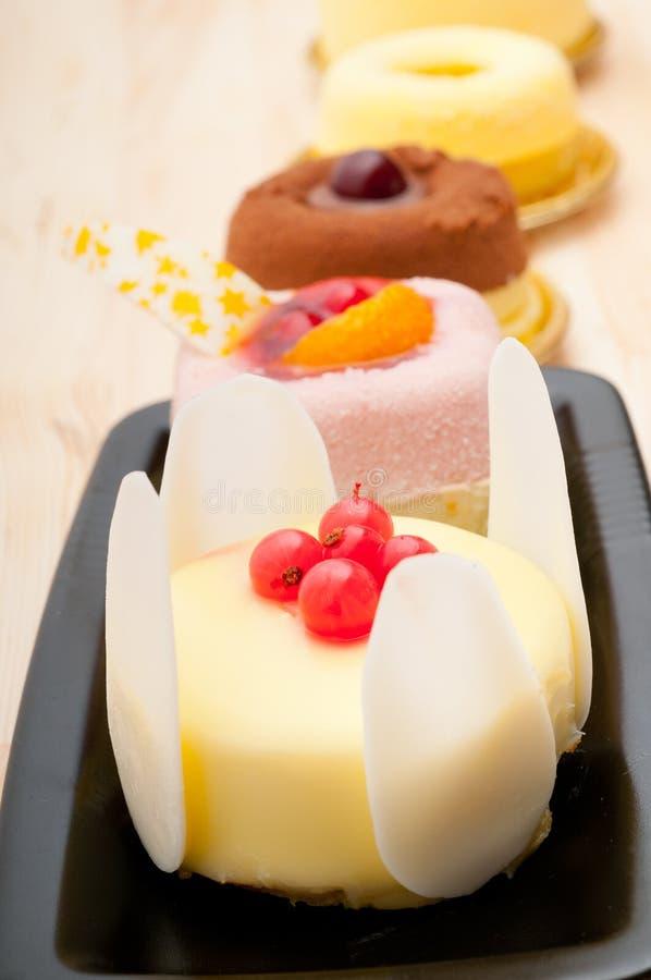 gâteau frais de baie de la groseille 3817742 photo stock
