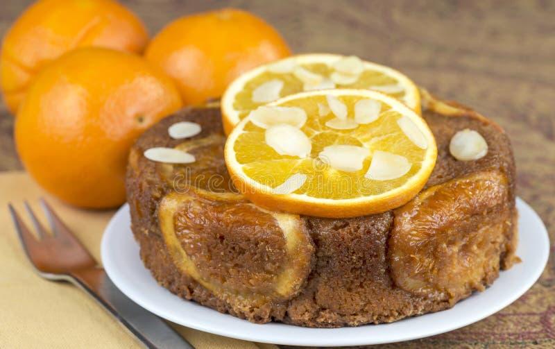 Gâteau orange images libres de droits